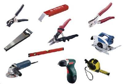 Приблизительно таким набором инструментов должен владеть человек, решивший заняться отделкой сайдинга