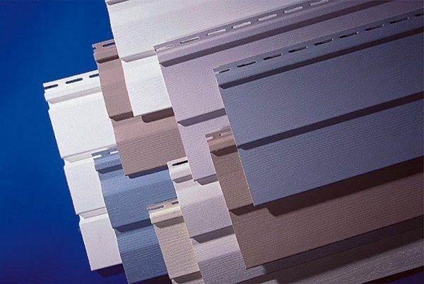 Разнообразие цветовой гаммы этого сайдинга позволяет создавать уникальную облицовку, грамотно комбинируя оттенки.