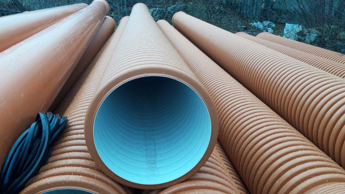 Преимущества гофрированных труб для канализации