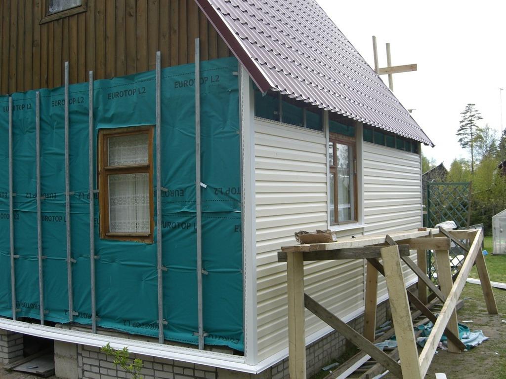 Установка сайдинга своими руками на деревянный дом фото 70