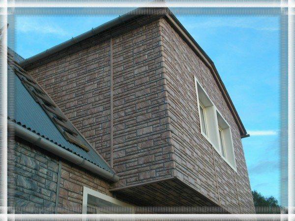 Имитация камня позволяет создавать потрясающие по красоте фасады без особых усилий и денежных затрат