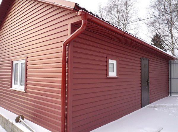 Фасад дома из металлосайдинга