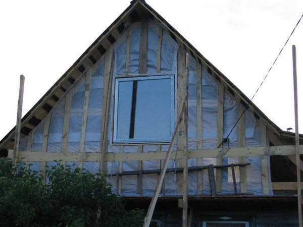 Каркас из дерева должен быть выполнен из нового материала, а не из остатков строительных материалов