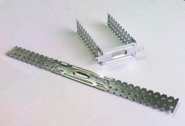Оцинкованный перфорированный П-образный подвес