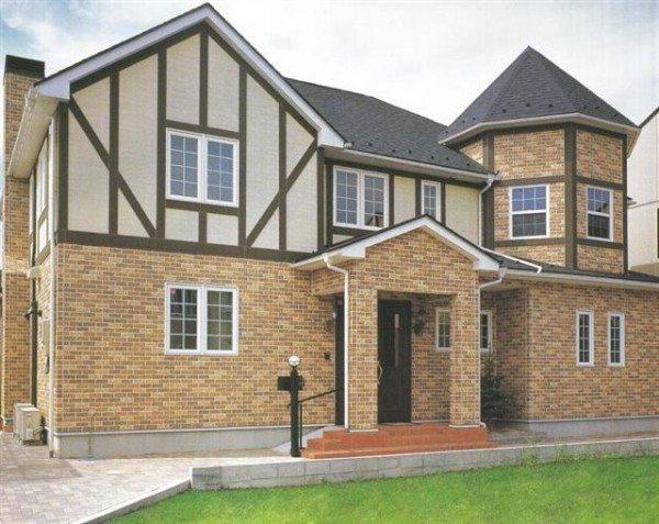Отделка фасада частного дома с применением керамического сайдинга
