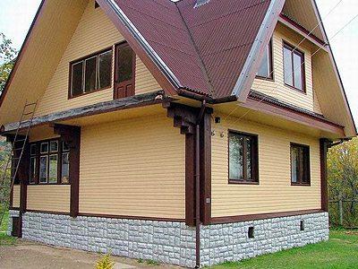 Дом, обшитый металлосайдингом