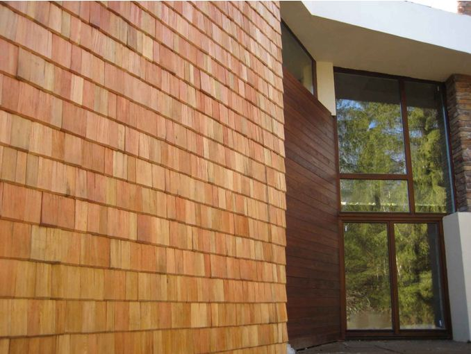 Натуральная дранка на фасаде – красивое, но дорогое решение