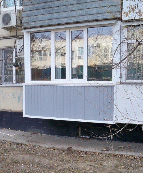 Вертикальный виниловый сайдинг на балконе: простенько и со вкусом