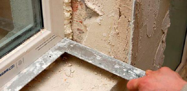 Откосы к окну должны примыкать под прямым углом