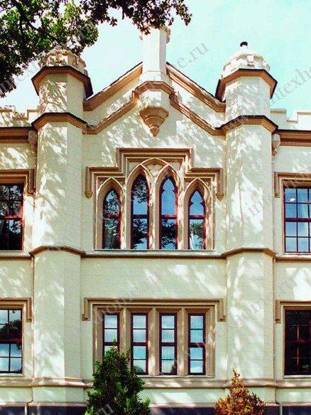 Оформление фасада в готическом стиле